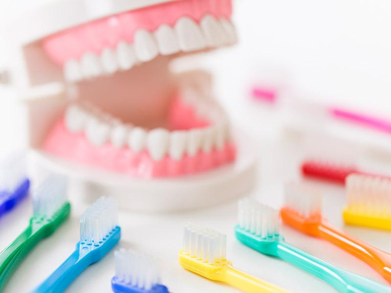 正しい歯の磨き方でインプラント周囲炎を防ぐ